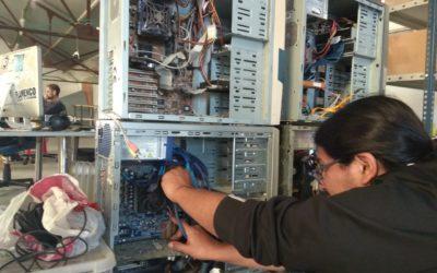 Supra reciclaje: talleres de recuperación electrónica con Óscar Tapia de la ODS